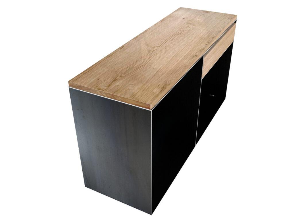 sideboard metall design sideboard aus metall mit eichenholz. Black Bedroom Furniture Sets. Home Design Ideas